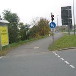 Auch linksseitig darf man auf dem Gehweg fahren.