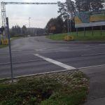Blick vom Radweg auf die Karolinenreuther Straße