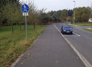 Momentan noch linksseitig benutzungspflichtiger Radweg.