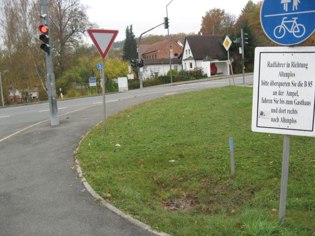Damit Radfahrer auch den vorgegebenen Weg fahren.